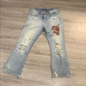 Light wash jeans with floral embroidery (sz 4)